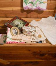 vintagelinen-chest